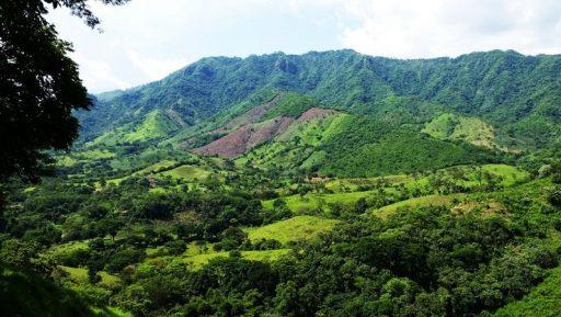 Cerros y Montañas de El Salvador
